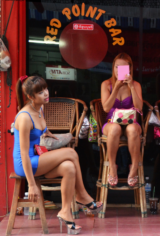Soi 6 girls waiting for customers